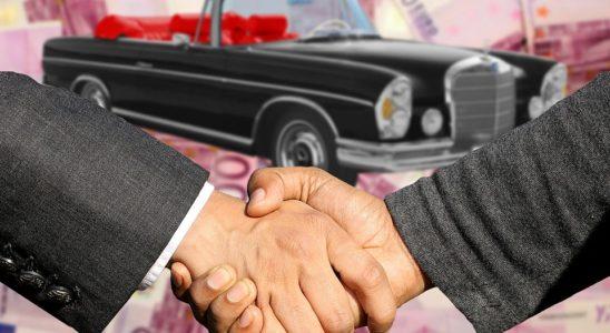 Bilhandel med håndtryk
